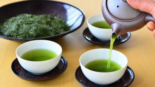 緑茶を淹れる